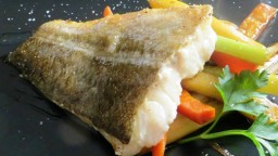 Bacallà al forn amb verdures/hortalisses