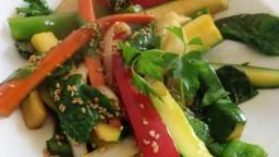 Varietat d'hortalisses saltades amb soja