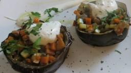 Albergínies farcides d'hortalisses amb maionesa