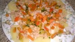 Patates amb verduretes i tonyina