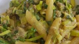 Cassola de pasta i carn picada al curry