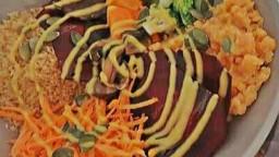 Veggie Bowl d'estiu amb salsa de mostassa