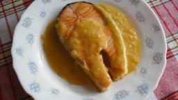 Salmó amb salsa de taronja i porro