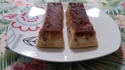 Mini púdings de melindros amb panses  de Corint i codonyat