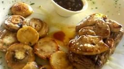 Filet de vedella amb foie fresc, xampinyons i salsa Oporto